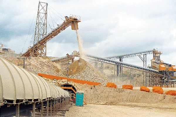 Quarry operation during day, carcinogenic dust