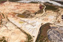 Vulcan Materials 1604 quarry aerial view. Vulcan proposes to set up a similar quarry near SH 46 and FM 3009 in central Comal County, between Bulverde and New Braunfels.