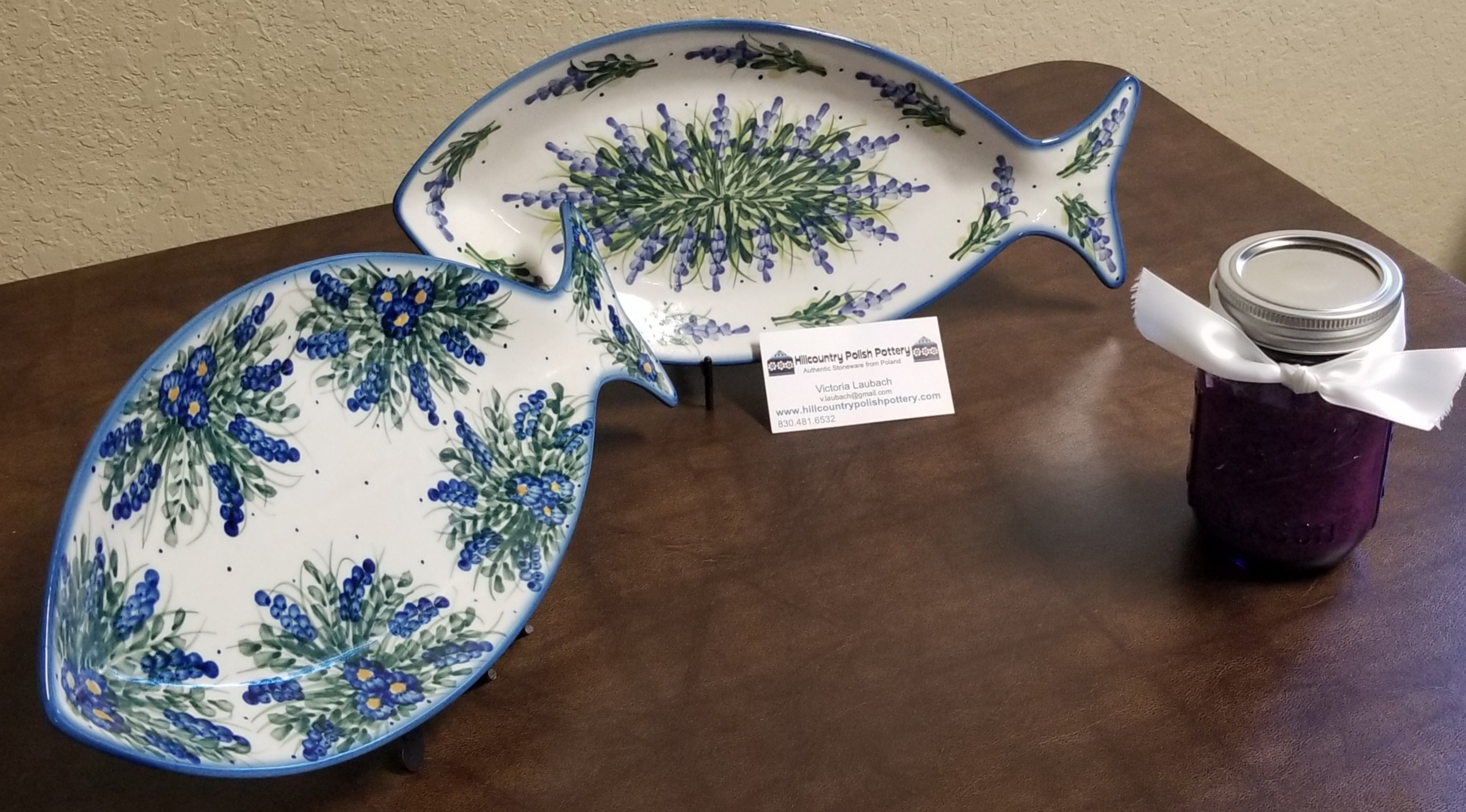 Online Secret Auction Item 2: Catch of the Day Polish pottery fish platters (2), Milann's Adobo seasoning.